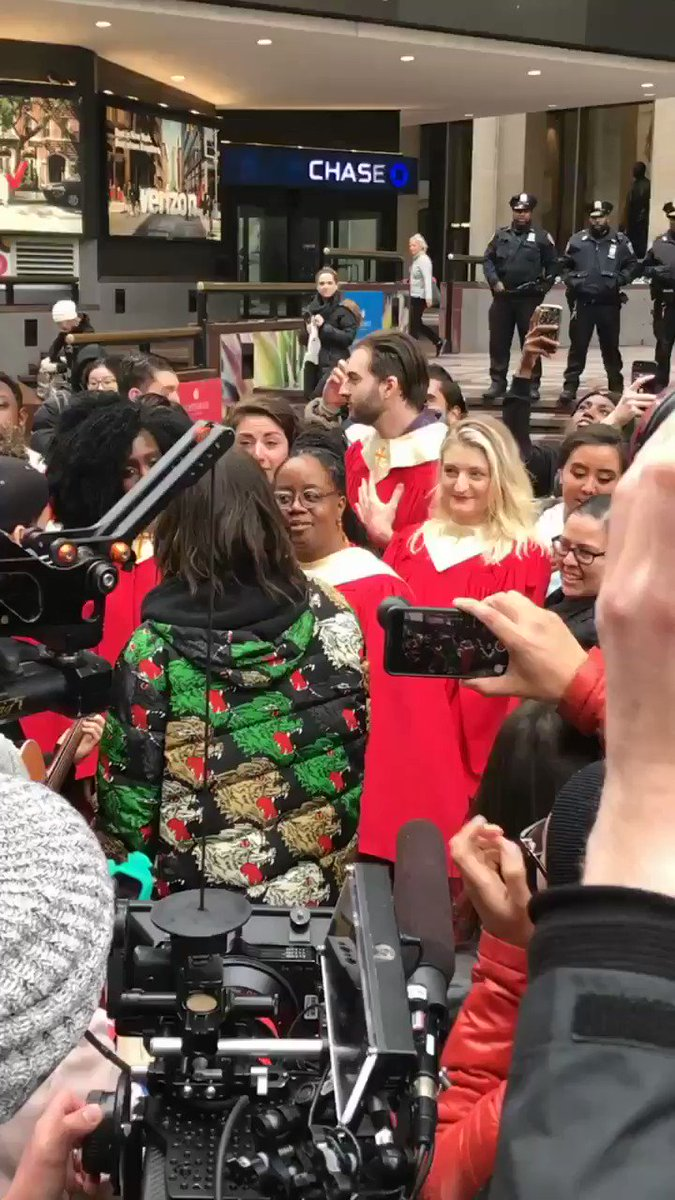 Spontaneous #WalkOnWater singalong with @JaredLeto at #MadisonSquareGarden #MARSACROSSAMERICA #America https://t.co/g034xqg9kE