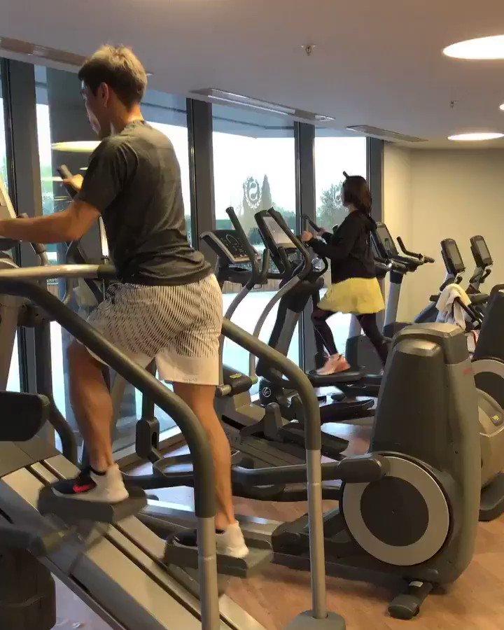 今日もジムでトレーニング。 有酸素運動から筋トレ、プールでトレーニング。 妻も出産後から運動できるようになり、すこぶる元気です👍 @harikiri_tairi #family #training #gym #pool
