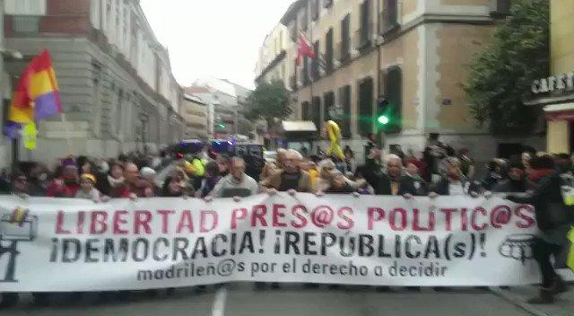 L'estaca a ple centre de Madrid, davant el Ministeri de Justicia. Gracias! Gràcies! Entre tots ho aconseguirem! #LlibertatPresosPolitics