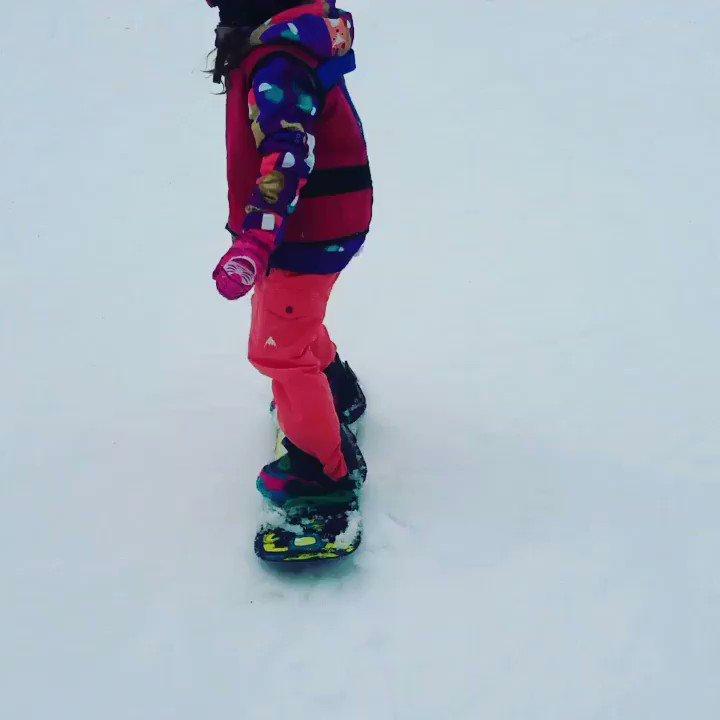 Lily & Tyler ❤️🏂 The daredevils! #makesmomnervous😳 #Dadisprotectingthem #snowboardingfamily