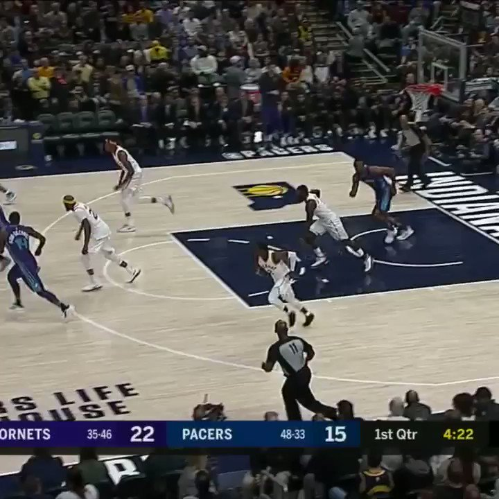 Lance got so hype celebrating the Dwight block that he forgot the play wasn't over https://t.co/XVcgZTY1Ng