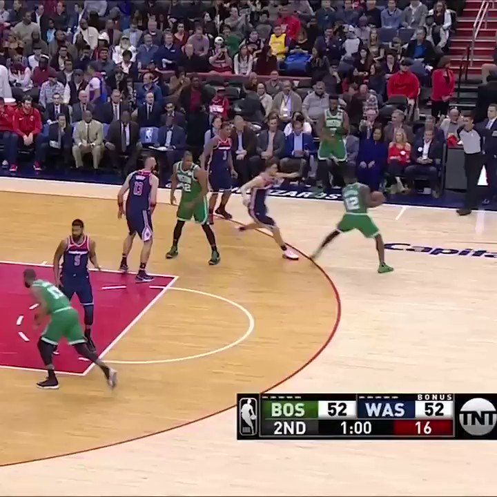 Jayson Tatum with the oop �� https://t.co/ZbdxKEu9Z7