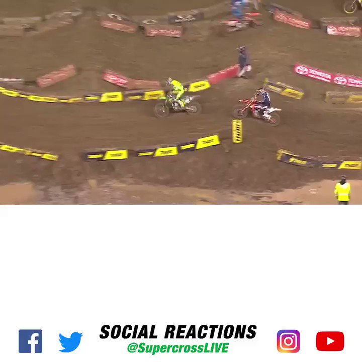 Check out the Social Reactions from the Seattle mud fest! Cool to see @RickieFowler and @JimmieJohnson  drop in! 👍 #SupercrossLIVE #SXonFOX