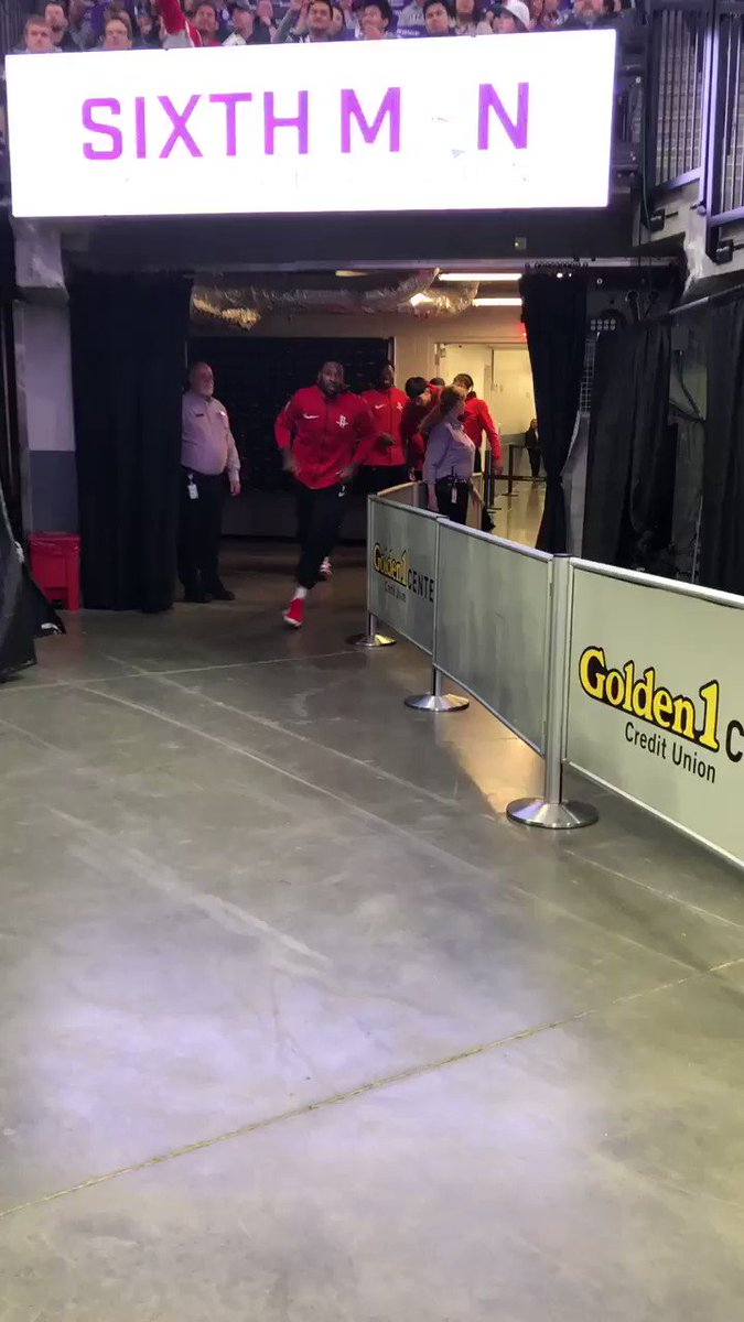 One more before playoffs!  #RunAsOne https://t.co/wxGuEHfwPf