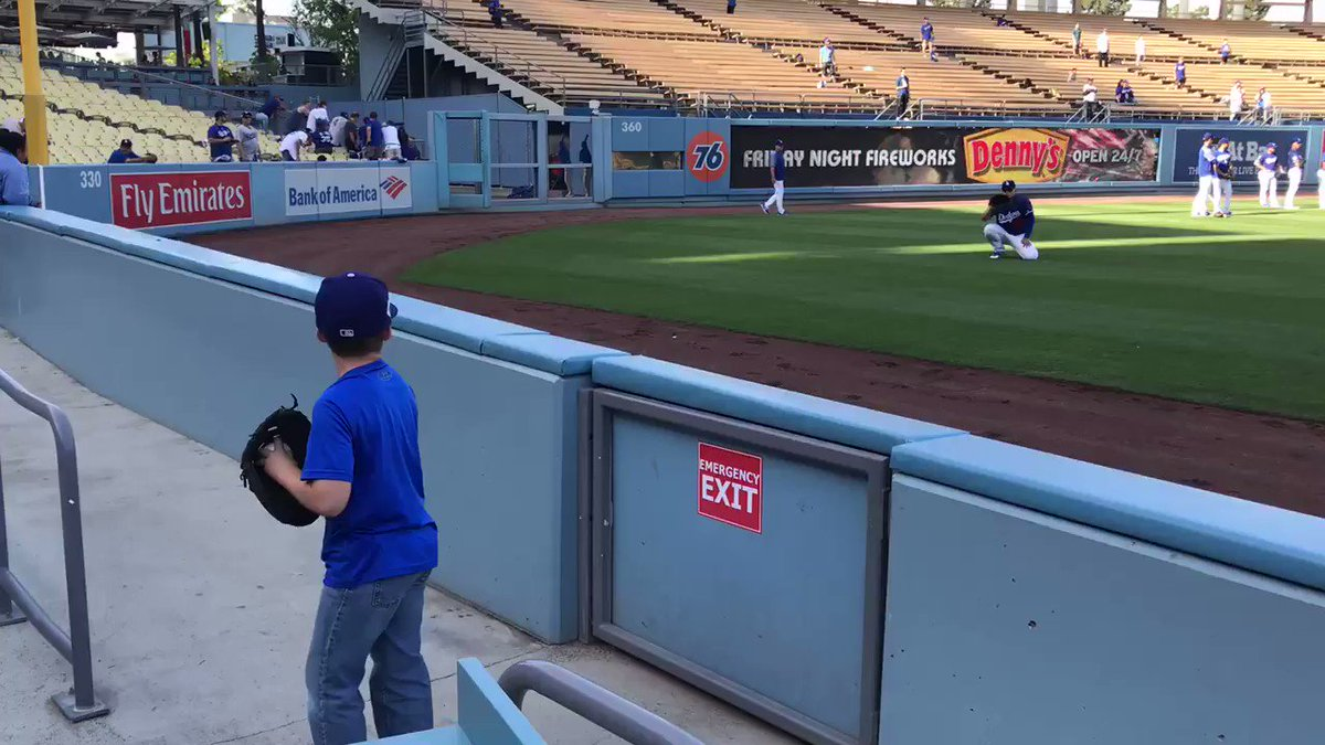 Playing catch with @HyunJinRyu99 during BP? Day made. #Dodgers