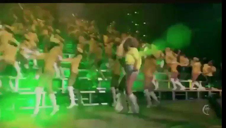 Do your money dance ! #BEYCHELLA https://t.co/sTiS3eHIb1