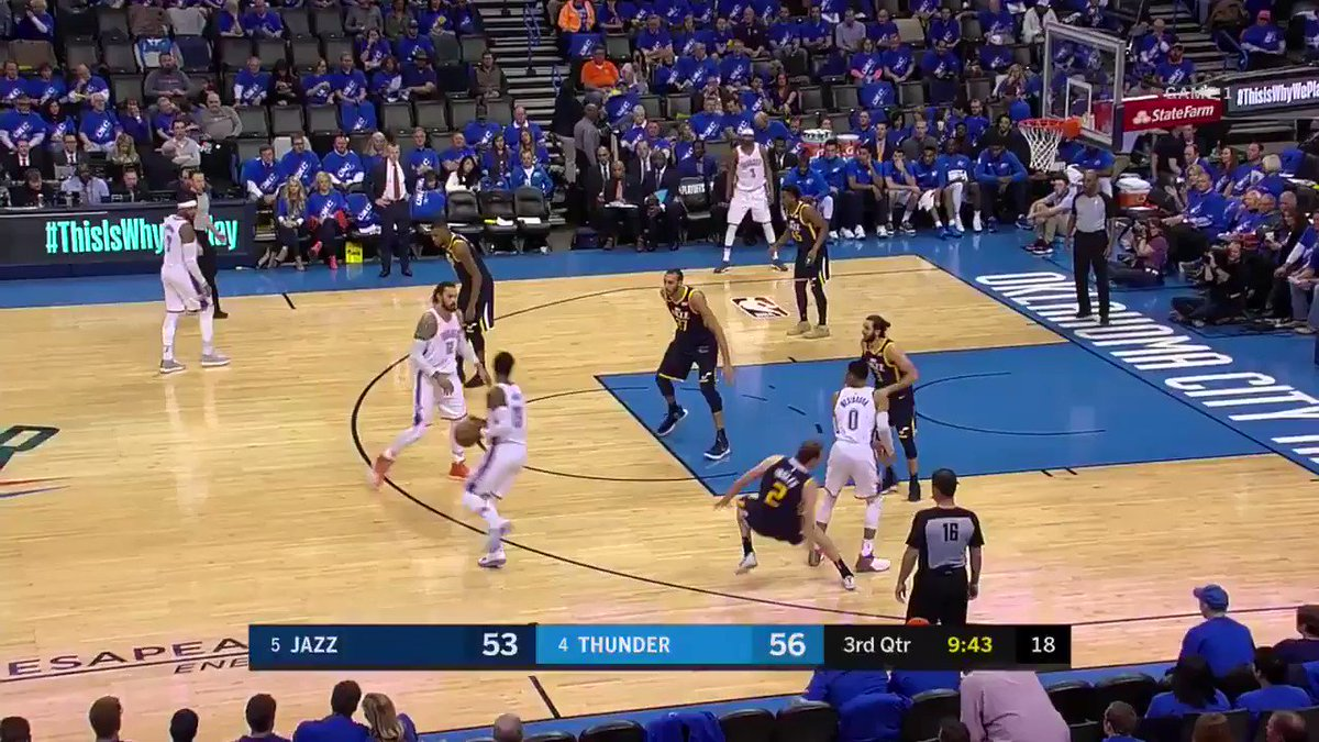 �� PG trey barrage won't stop. 6 of them in 22 minutes. https://t.co/Ae55L4Wuhm