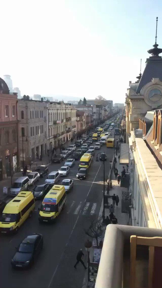 Развод по русски у девушки сломалась машина, смотреть порно ролики со студии джона томпсона