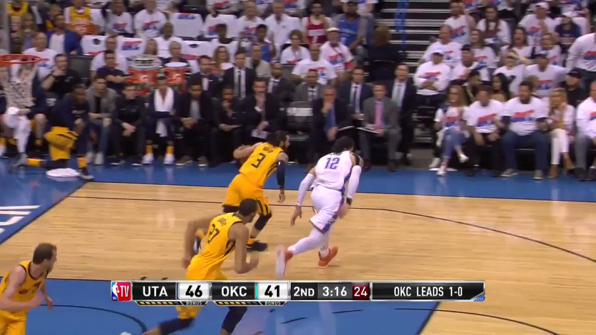 Ricky Rubio ➡️ Rudy Gobert in transition!  @utahjazz 51 | @okcthunder 45   ��: @NBATV https://t.co/6wVJsYuuxA