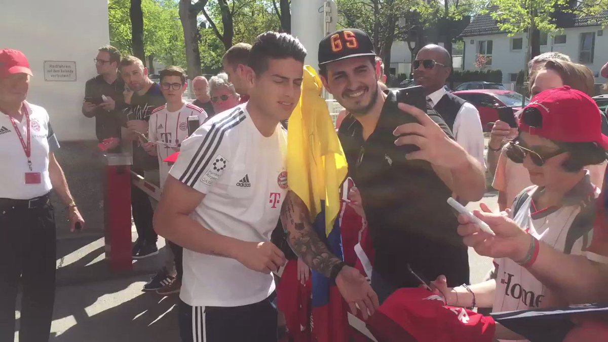 Always time for autographs and photos fi...