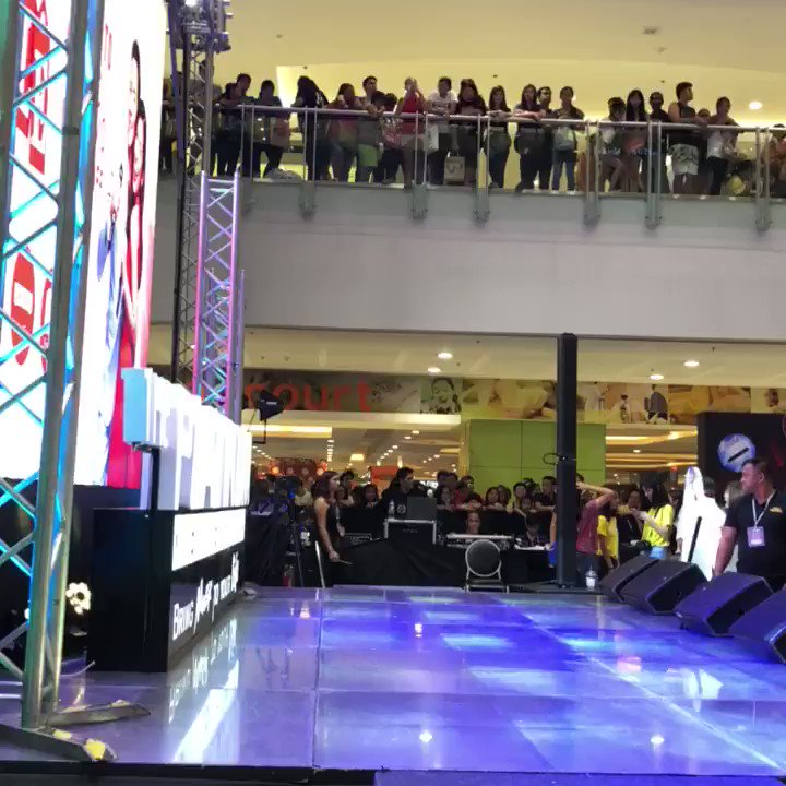 Di naman excited mga tao 😜 #PlatinumKara...