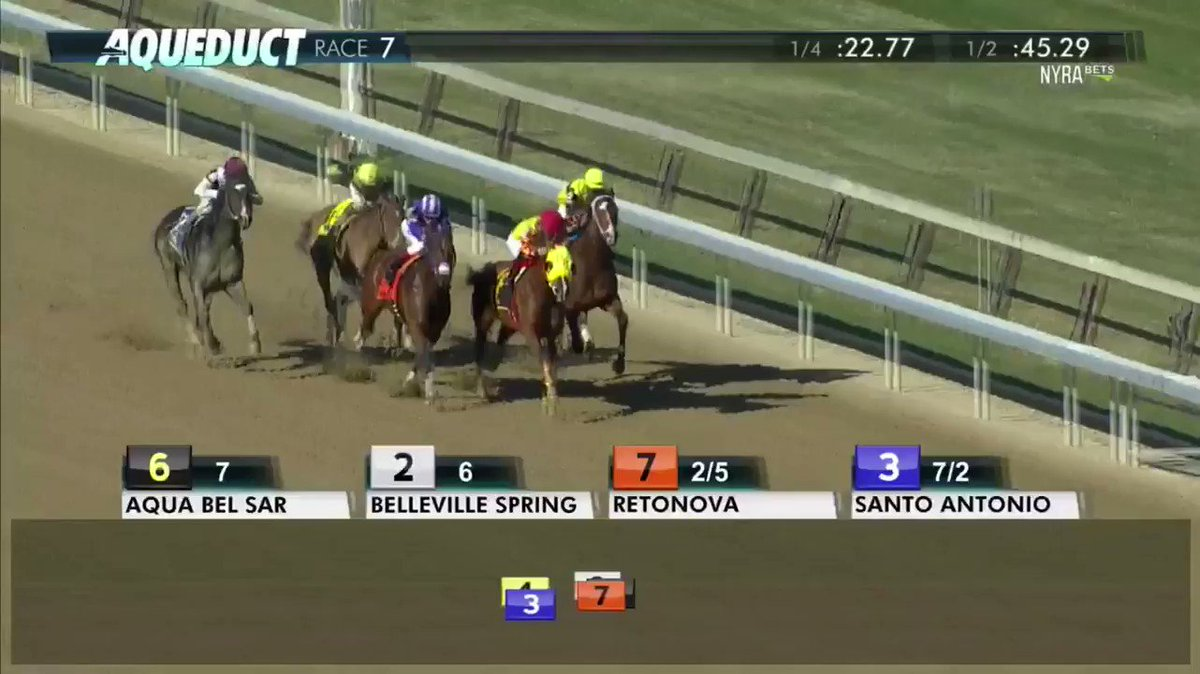 Retonova with @trevormmccarthy pull away to win the NYSS Times Square Division Stakes!
