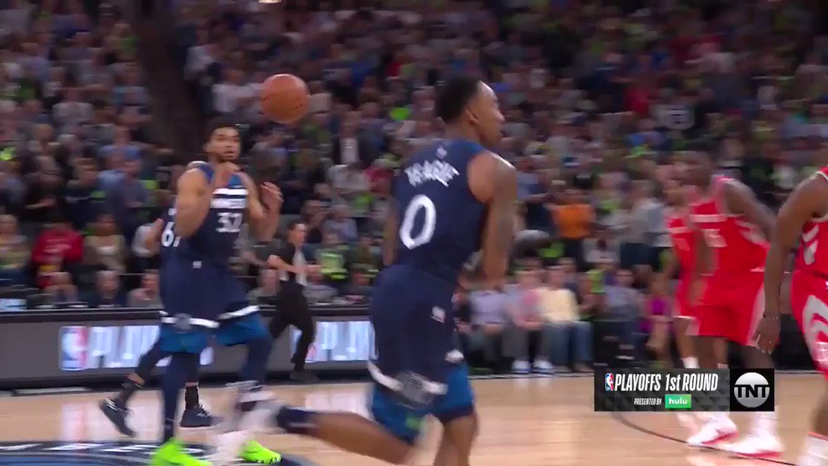 Butler hits driving, reverse layup for the first bucket of Game 4!  #AllEyesNorth   ��: @NBAonTNT https://t.co/hwWu1YXO3a