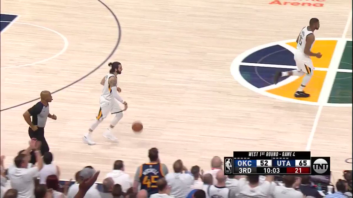9-0 #TakeNote  run to start the 3rd!  #NBAPlayoffs on @NBAonTNT https://t.co/ymZYbT3XUg