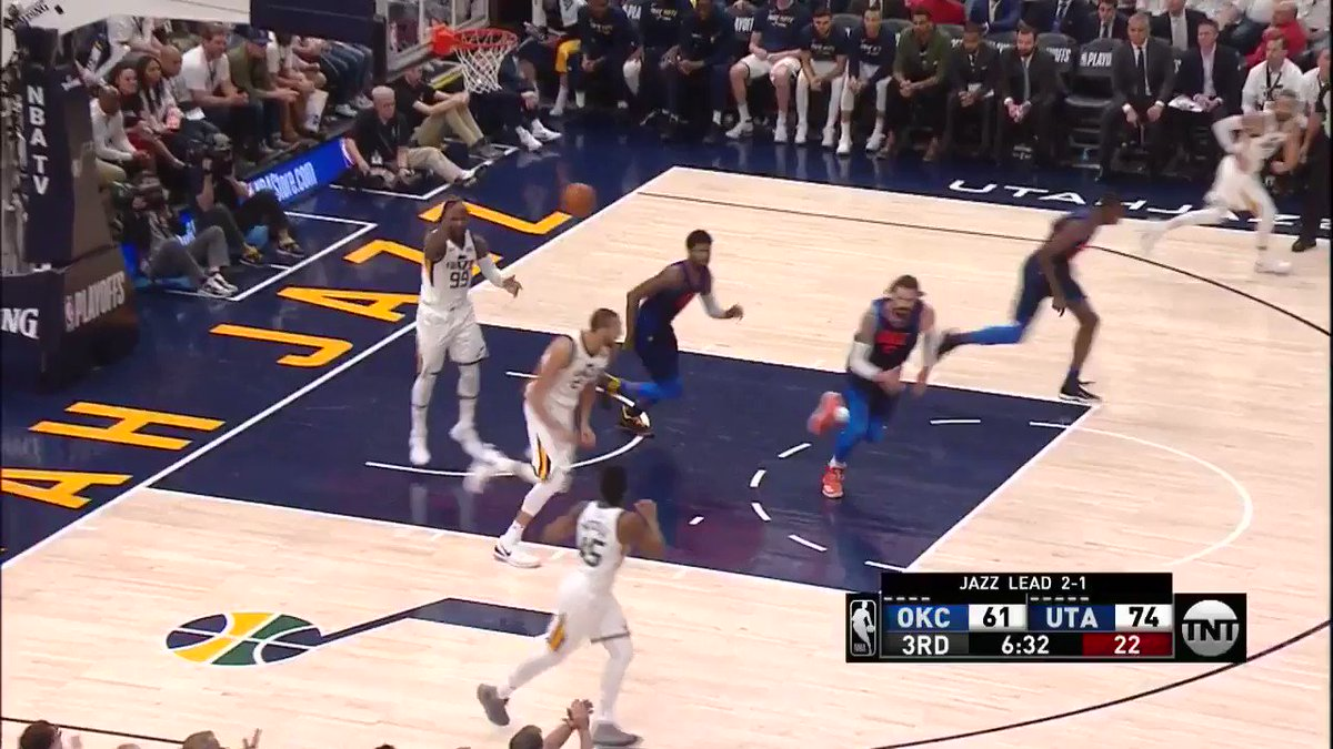 20 for Mitchell!  #TakeNote 78 | #ThunderUp 64  ��: @NBAonTNT https://t.co/ChQGYAwxwN