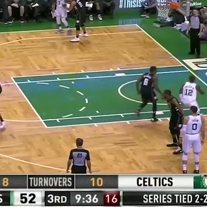For those wondering, Eric Bledsoe and Terry Rozier still don't like each other very much. https://t.co/CzLgipWSKs