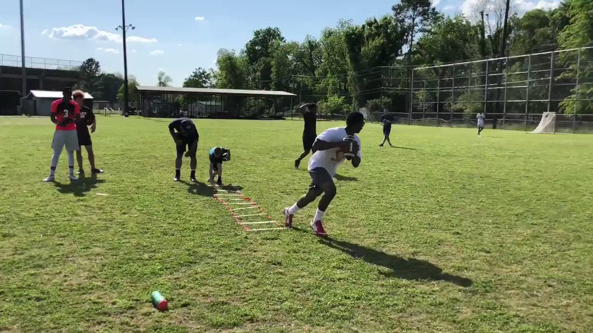 Parkway QB Amani Larry show off the arm & athleticism. #GunslingerTrained @alarry21
