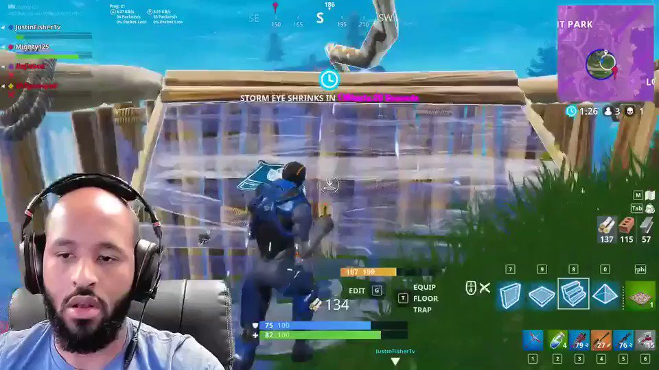 Season 4 is LIT @FortniteGame shout out to @towelthetank for the host #mightygaming https://t.co/42st1PWED1