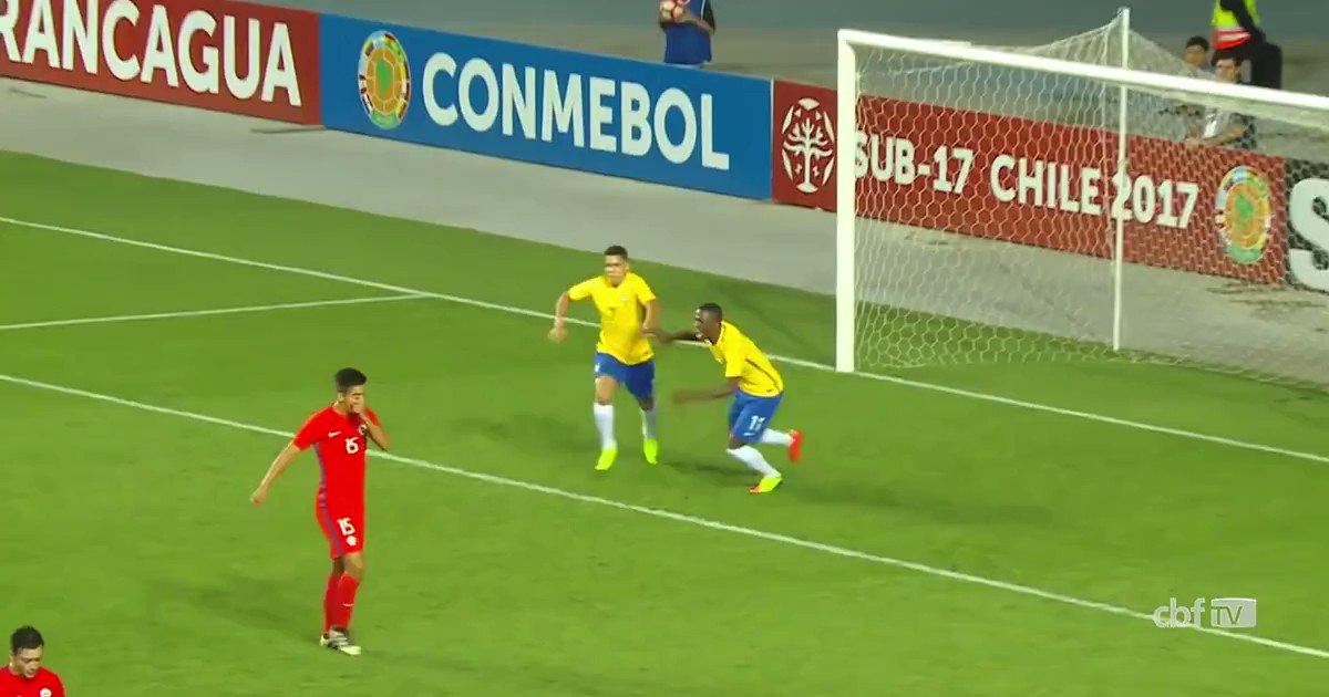 O #GoldoDia de hoje destaca o talento da nova geração do futebol brasileiro com este golaço do atacante Paulinho! ⚽🇧🇷 #GigantesPorNatureza