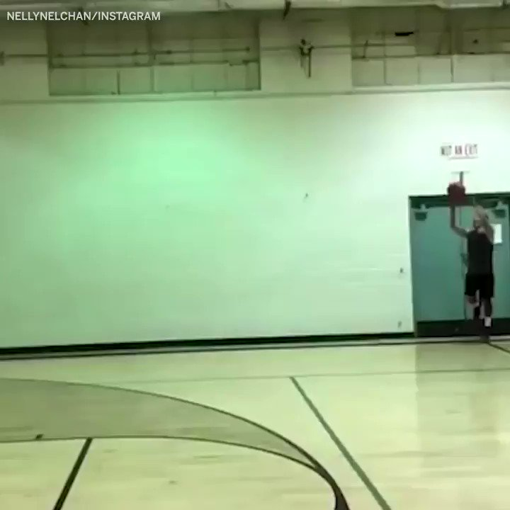 When you're 5'7' but you live life above the rim. �� #SCtop10 https://t.co/EfFRG0340b