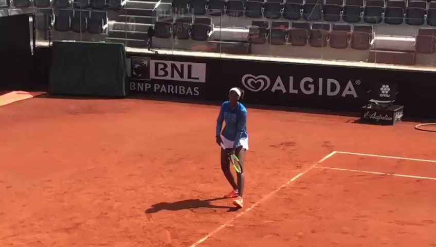 ��Stop them all, we're literally falling in love! @Venuseswilliams is here! �� #ibi18 #tennis #WTA https://t.co/5ryDWbShgm