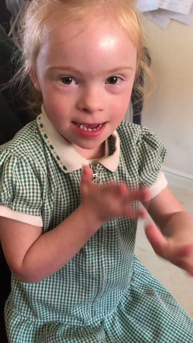 Image for the Tweet beginning: Celebrating deaf awareness week 👏