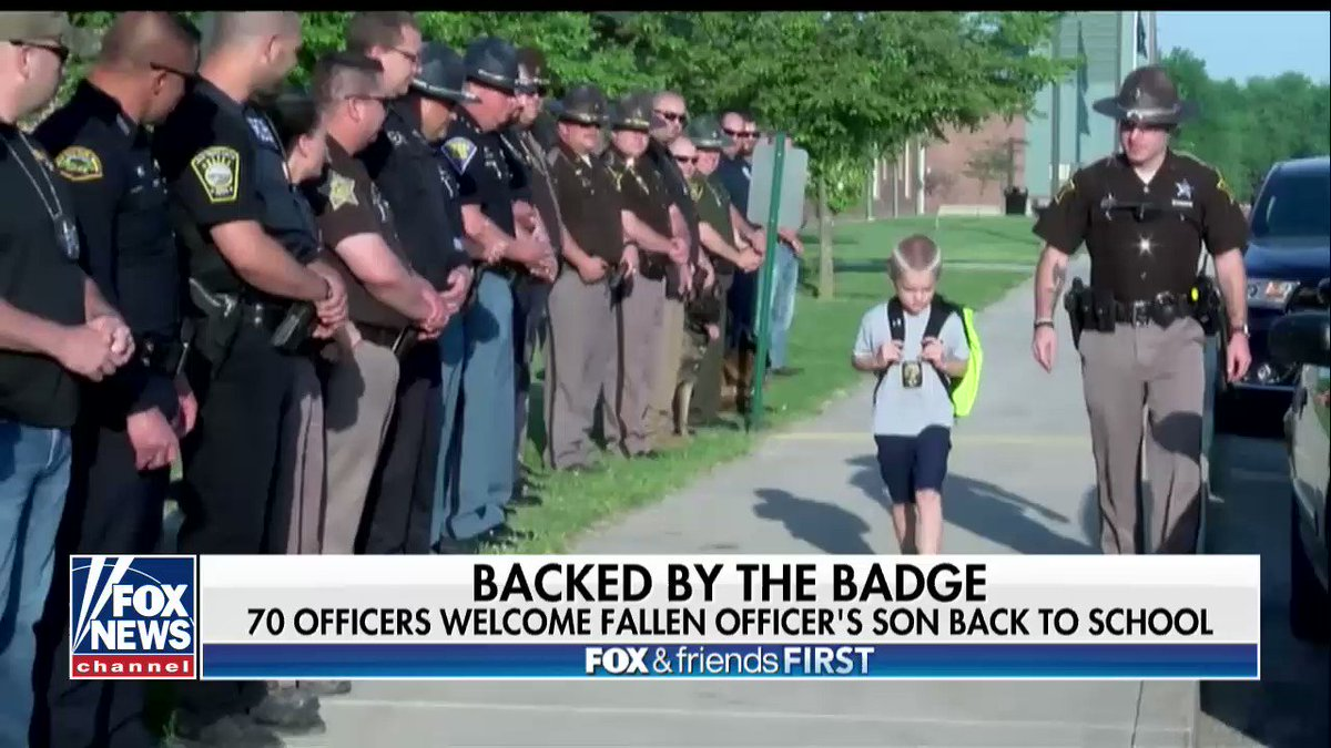 70 Officers Welcome Fallen Officer's Son Back to School https://t.co/DFMTrqH4nv