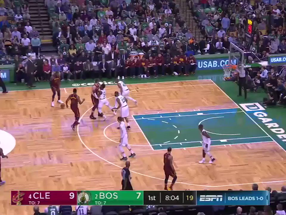 LeBron scored 21 of the Cavs' 27 points in the 1st quarter �� https://t.co/jqhzffEJbF