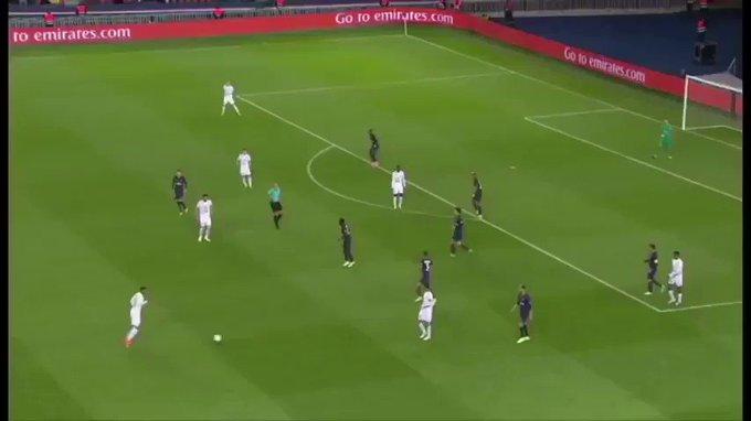 [38e journée de L1] SM Caen 0-0 Paris SG YDp4S_HCO0RZ9nH3?format=jpg&name=small