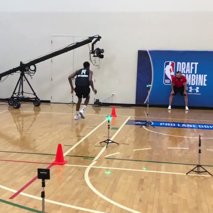 🇬🇷🇬🇷🇬🇷  @Kostas_ante13 completes his pro lane drill at the #NBACombine powered by Under Armour.