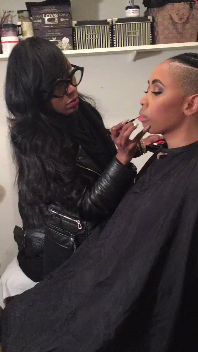 T Barz @TBarzzzz getting ready for her photo shoot!!!🔥💫🔥💫 #style #fashion #music #hiphop
