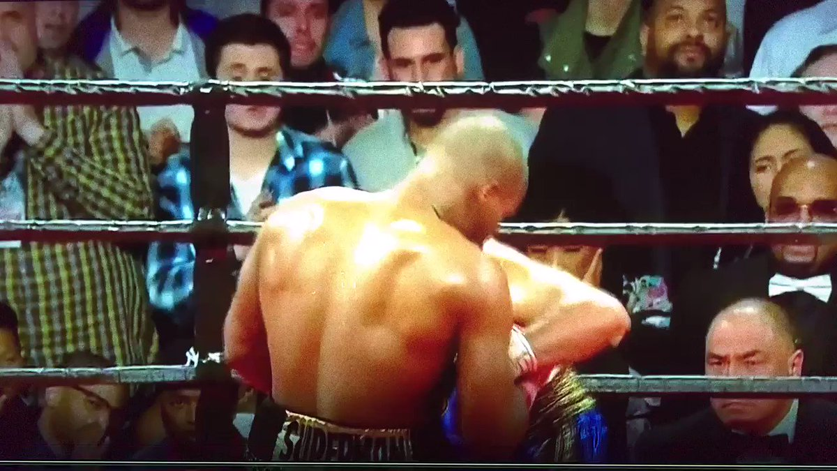 Hahahah @ShowtimeBoxing #StevensonJack @mauroranallo @PaulMalignaggi @premierboxing @BadouJack https://t.co/ZNqVLl4PGf