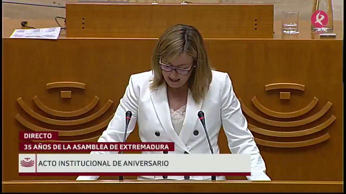 #35AñosAsamblea   Interviene la presidenta de la @Asamblea_Ex, @BlancaMartinDel:
