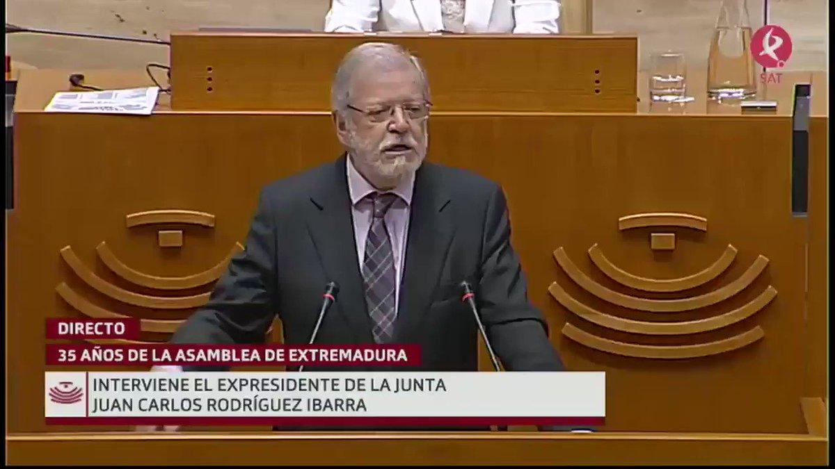 #35AñosAsamblea   Interviene el expresidente de la Junta de Extremadura, Juan Carlos Rodríguez Ibarra (@fundceri):