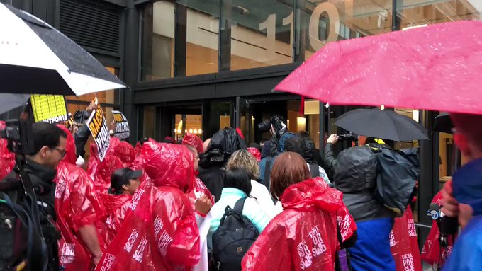 McDonalds Workers March On New Chicago HQ For $15 An Hour Wages