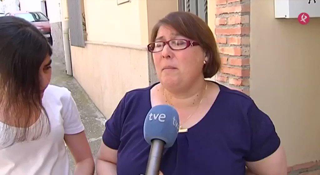 Aún hay esperanza. La mujer del trabajador de #MalpartidaDePlasencia desaparecido bajo los escombros en Madrid sigue confiando en que los bomberos puedan encontrar con vida a su marido. #EXN https://t.co/UjfsooGekm