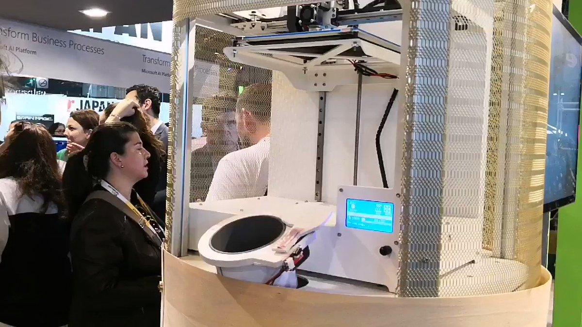 Malin, @_plastif transforme les déchets en objet imprimable en 3D. Pertinent à l\
