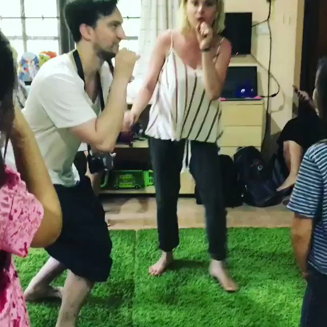 VIDEO | '@ elizajaneface and @ richardsharmon teaching the kids how to play SPACE JUMP! ⭐' (via kohtaokids ig) https://t.co/LlZl2vCA6u