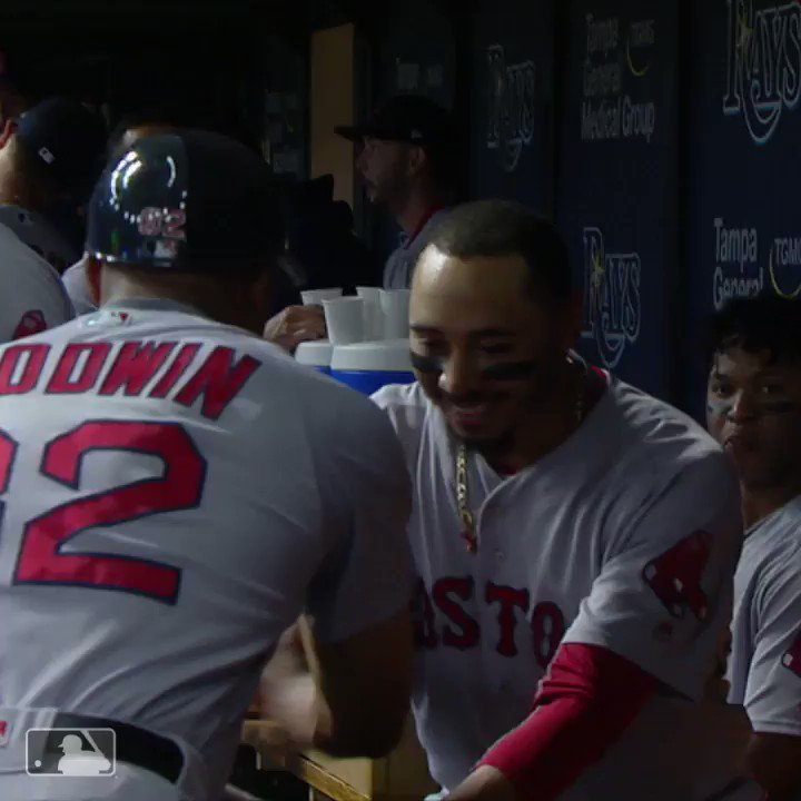 Mookie with the dance moves. https://t.co/vkTcIuYrLJ