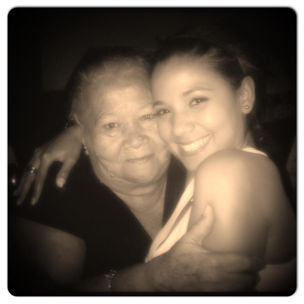 Melissa Martinez ?y su Abuela QEPD
