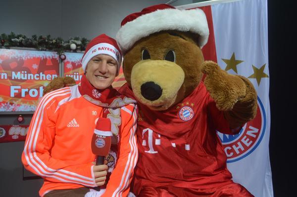 Fc Bayern Wünscht Frohe Weihnachten.Fc Bayern München On Twitter Frohe Weihnachten Merry Christmas