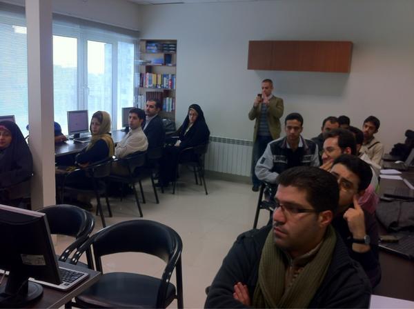 RT @drupalchi: class started #DrupalGTD http://pic.twitter.com/E67EQjcA