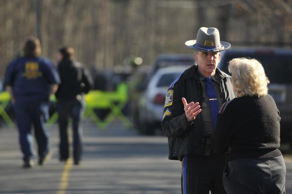 State Police are investigating a shooting at the Sand Hook Elementary School. http://pic.twitter.com/6Ig7doFf