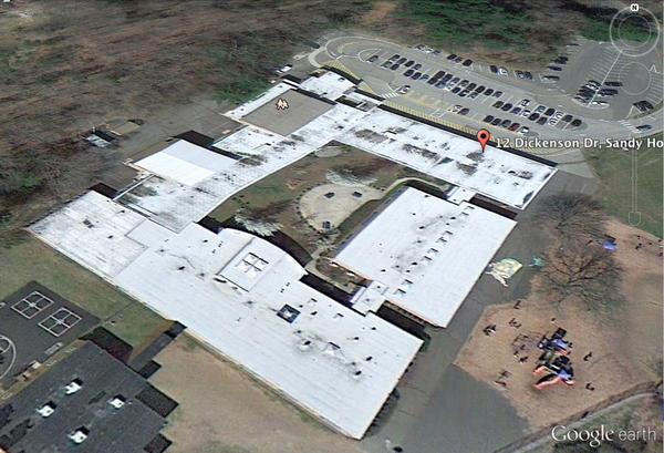 Google Earth image of Sandy Hook Elementary School #Newtown http://pic.twitter.com/Qx1kBFg3