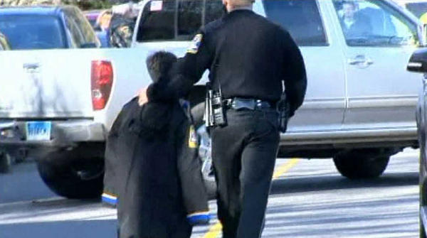 RT @fox4kc: Pic: Police officer walks child to safety after deadly school shooting in #Newtown, Conn. http://bit.ly/TStESv http://pic.twitter.com/KTSpiOVt