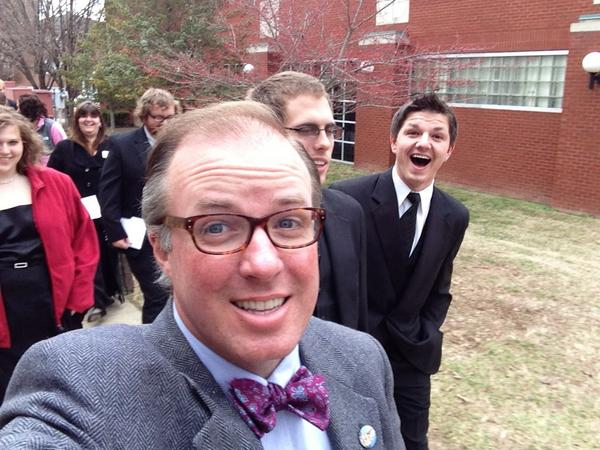 Get to walk to commencement with @LindseyWilson Singers. Finally with the cool kids. http://pic.twitter.com/rbp55e46