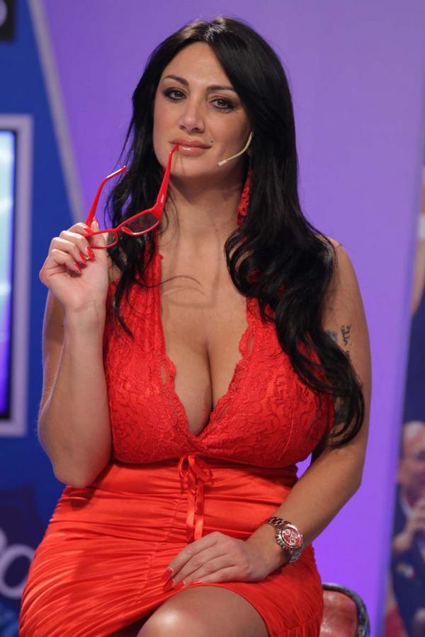 Голые итальянские женщины в теле смотреть онлайн — photo 15