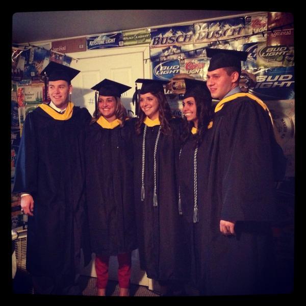congrats :) love you guys! #MUgrads @beccc1523 @LaurrrrenP @Gabriellllee http://pic.twitter.com/scWrDP65