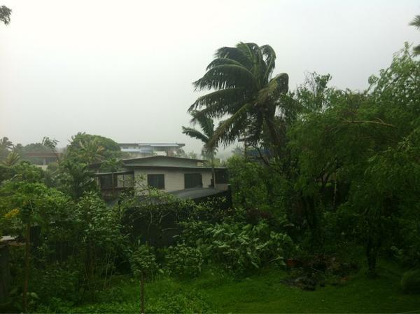 @LegendFM in Laucala beach #CycloneEvan http://pic.twitter.com/Ilw5QkTB
