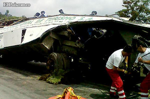 25 Muertos y 15 heridos en accidente de Bus que se Dirigía a Cali
